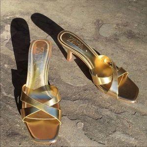 Zara Shoes - GORGEOUS ZARA NWT Heeled Mules w Cross Straps